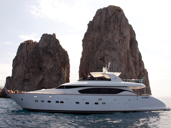 maiora sorrento luxury charter