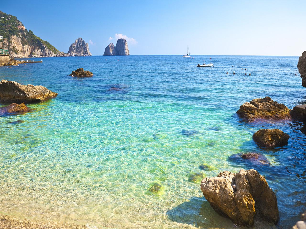 weekley-experience-yacht-luxury-charter-ischia-capri-positano-amalfi