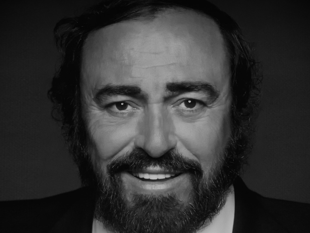 Luciano Pavarotti a Sorrento for the story of an extraordinary life